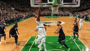 Celtics seriyi 5 maça çıkardı Tutulmuyorlar...
