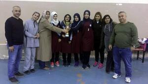 İmam Hatipli kızlar masa tenisinde şampiyon