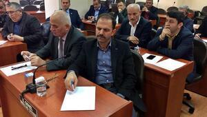 İl özel idaresi genel sekreterinin ve müdürlerin yakınlarını işe aldıkları iddiası mecliste tartışıldı