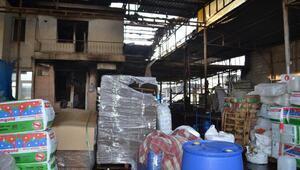 Salihlide 2 iş yeri ve 5 otomobil yandı