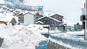 13 bin kişi Alpler'de mahsur kaldı