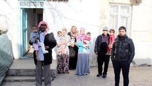 Karakoçanda 14 kişilik Suriyeli aile, eve yerleştirildi