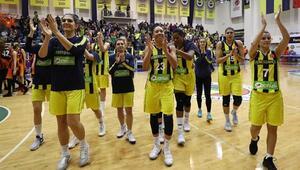 Fenerbahçe güçlü rakibini devirdi