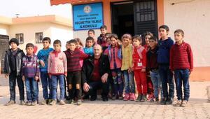Şehit Necmettin öğretmenin babası, oğlunun okulunu ziyaret etti