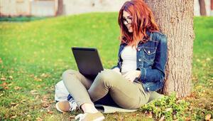 Üniversiteliler çevrimiçi