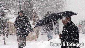 Kırklarelinin yüksek kesimlerinde yoğun kar