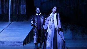 Mersinde Maskeli Balo operası sahnelendi