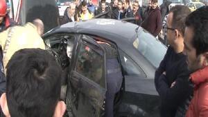 (Ek bilgi ve fotoğraflarla) - Ümraniyede otomobil bariyere çarptı: 2 ölü1 yaralı