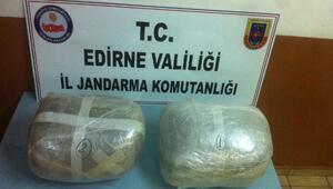Edirnede 20 kilo esrara 2 tutuklama
