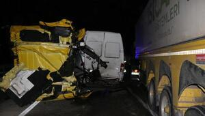 Pamukovada 7 araç birbirine girdi: 5 yaralı