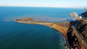 Rize- Artvin Havalimanı inşaatına günde 20 bin ton taş dökülüyor