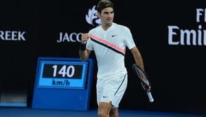 Federer set vermedi Turu geçti