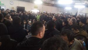 Paralarını alamayan işçiler grev başlattı/Fotoğraflar