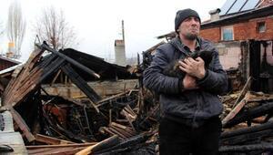 Evleri yandı,Kedilerimiz evsiz kaldı diyerek gözyaşı döktü