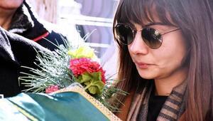 Ünlü oyuncu Turan Özdemir gözyaşlarıyla uğurlandı