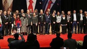 Şehit ailesi ve gazilere Devlet Övünç Madalyası verildi
