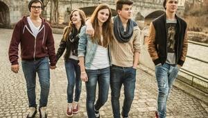 Ergenlik artık 10 ve 24 yaşları arasında yaşanıyor