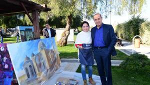 Türk dünyası ressamları Adana'yı resmedecek