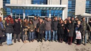 Nuriye Gülmen ve Semih Özakçanın açlık grevine destek verenlere beraat