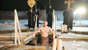 Putin'den eksi 7'de 'sağlık' gösterisi