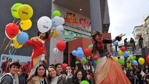 Kadıköy Belediyesi'nden çocuklara karne hediyesi
