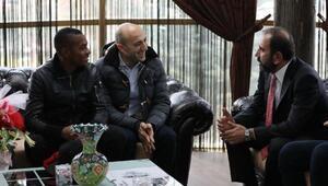 Brezilyalı futbolcu Robinho,sağlık kontrolünden geçti