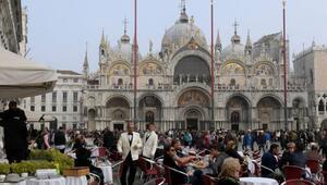 Venedikte 4 Japon turiste kesilen 1100 euro hesap isyan ettirdi
