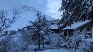 Saklıkentte yoğun kar yağışı
