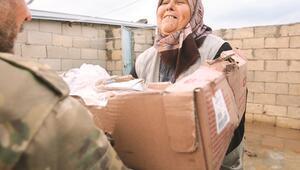 Zeytin Dalı ile teröristlerden temizlenen köylere Mehmetçikten yardım