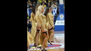 Fenerbahçe maçına damga vuran güzeller