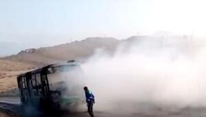 Termik santal işçilerini taşıyan servis otobüsü yandı