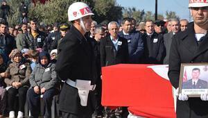 Afrin şehidini son yolcuğuna binlerce kişi uğurladı