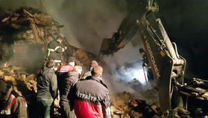 Ispartada yanan ev çöktü: 1 ölü