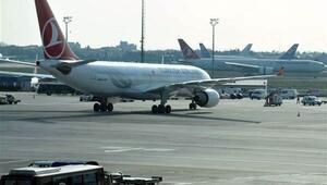 Kabin basıncı düşen uçak Atatürk Havalimanına geri döndü