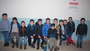 Göndere Türk bayrağı çeken Beytüşşebaplı çocuklara Kahramankazandan yardım