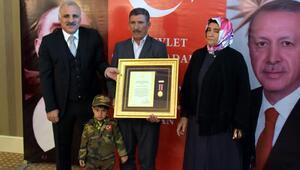 Vanda şehit ailelerine Devlet Övünç Madalyası verildi