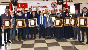 Kırşehir'de 8 şehit yakını ile 2 gaziye Devlet Övünç Madalyası ve Beratı