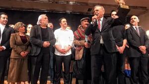 İzmirlilere En iyi tiyatro seyircisi ödülü