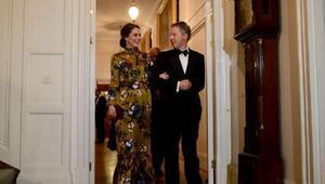Kate Middletonı Türk tasarımcı giydirdi