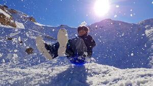 Antalyada çocukların kar keyfi