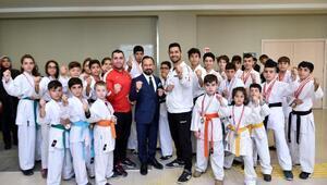 Karatecilerden Başkan Bilal Uludağa ziyaret