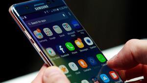 İşte Samsungun en yeni Galaxyleri: İsimlerini ilk kez göreceksiniz