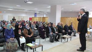 Kuran kurslarında çocuklara din eğitimi semineri