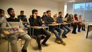 Türkiyede aldıkları eğitimle Suriyeyi yeniden inşa edecekler