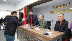Tuncelide kurallara uymayan 33 kişiden alınan TOKİ konutları kura ile dağıtıldı