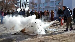 Ahlat'ta öğretmenlere yangın eğitimi verildi