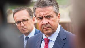 Almanya Dışişleri Bakanı Gabriel partisini topa tuttu