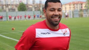 Andre Santos, kariyerini Süper Ligde bitirmek istiyor