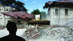 Depremzedelerle fuhuş skandalı