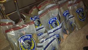 Uyuşturucu imalathanesine çevrilen evden 76 kilogram bonzai çıktı
